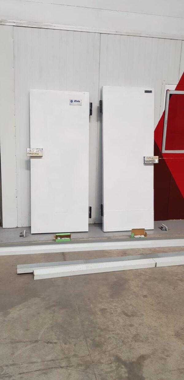 Puertas frigoríficas pivotantes paso peatonal